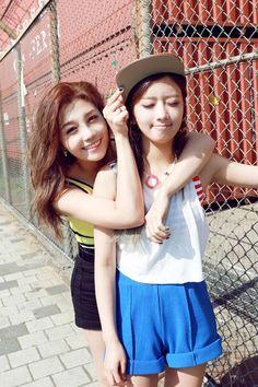 APink EunJi and BoMi