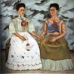 elmesdeabrilesmio:  Las dos Fridas Poco después de su divorcio de Diego Rivera, Frida completó este autorretrato de dos diferentes personalidades. En su diario, Frida escribe que el origen de este cuadro está en sus recuerdos de un amigo imaginario de la niñez. Más tarde, ella admitió que refleja las emociones que rodearon a su separación y crisis marital. A la derecha, la parte de su persona que era respetada y amada por Diego es la Frida mexicana vestida de tehuana. En su mano sostiene un…
