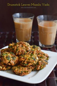 Drumstick Leaves Masala Vada is a healthy masala vada from South India. We have already seen numerous health benefits of the drumstick leaves. It is good practice to include drumstick leaves or any… Veg Recipes, Indian Food Recipes, Cooking Recipes, Healthy Recipes, Recipies, Spinach Recipes, Indian Appetizers, Indian Snacks, Yummy Snacks