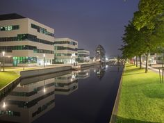 Klever Hafen bei Nacht