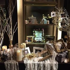 Both the planner and the photographer are all pretty cute brides. White and gold welcome space for r Crazy Wedding, Wedding Candy, Anniversary Decorations, Wedding Decorations, Wedding Registration Table, Modern Classic Interior, 60 Wedding Anniversary, Museum Wedding, Wedding Preparation