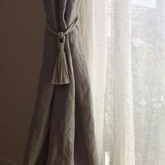 いいね!32件、コメント3件 ― @gentille_roseのInstagramアカウント: 「* 2017/10/12 * 無印週間で買ったもの。 リビングカーテンのタッセル付きふさかけ。 * 本当は共布で作るつもりで材料も用意してたけど、いつになったらミシン再開できるか分からないしね…」 Tassels, Curtains, Interior, Instagram, Home Decor, Insulated Curtains, Homemade Home Decor, Blinds, Indoor