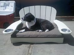 Pet chair from Dogirondack, no longer available. This would make a great wood pallet project!