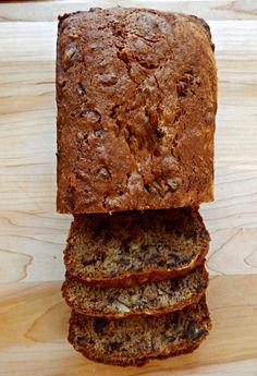 Pat Nixon's Date Nut Bread - still the best! Pat Nixons Date Nut Bread - Frugal Hausfrau Fruit Bread, Dessert Bread, Banana Bread, Bread Recipes, Cake Recipes, Dessert Recipes, Datenut Bread Recipe, Date Nut Loaf Recipe, Recipe Box