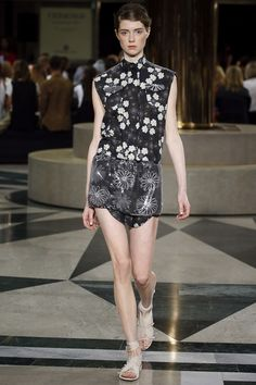Aquilano.Rimondi Spring 2016 Ready-to-Wear Collection - Vogue