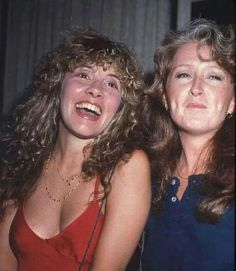 Stevie Nicks with Bonnie Raitt Members Of Fleetwood Mac, Bonnie Raitt, Buckingham Nicks, Americana Music, Stephanie Lynn, Stevie Nicks Fleetwood Mac, Women Of Rock, Music Like, Female Singers