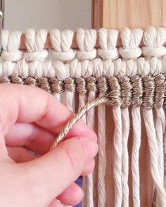 Handira macramé – Pippi Bella – Top Of The World Macrame Curtain, Macrame Plant Hangers, Weaving Projects, Macrame Projects, Metal Projects, Macrame Art, Macrame Knots, Macrame Modern, Tapestry Weaving