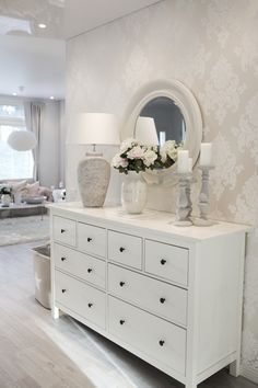 This hallway looks great. Love the use of an IKEA Hemnes dresser here. This hallway looks great. Love the use of an IKEA Hemnes dresser here. The post This hallway looks great. Love the use of an IKEA Hemnes dresser here. appeared first on Ikea ideen. Dresser In Living Room, Bedroom Dressers, Living Room Decor, Hemnes Ikea Bedroom, Decor Room, Ikea Hemnes Nightstand, White Bedroom Furniture Ikea, Bedroom Dresser Styling, Dresser Bed