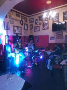 http://www.infoaliment.ro/articol_4270-blues+cafe+si+new+levites+au+organizat+un+concert+gospel+cu+arom+de+blues.html