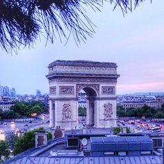 """Champs Elysees Paris, Amazing View from roof top. #paris #parisalwaysanamazingidea #toureiffel #eiffeltower #champselysees #champselyseesparis…"""