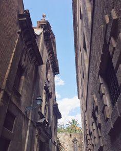 Strolling through a sunny Barcelona