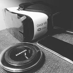 An awesome Virtual Reality pic! Enter into the world of virtual reality... #vr #samsung #samsunggearvr #virtualreality #gearvr #gadgets #technofreak #tech #technology #wanderlust #samsungpakistan #lovingit #potd #moments #instagram #hkaxim by hkaxim check us out: http://bit.ly/1KyLetq