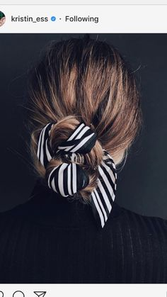 Mode Inspiration: das Seidenquadrat - Make up Scarf Hairstyles, Pretty Hairstyles, Teenage Hairstyles, Summer Hairstyles, Hairstyles 2016, Easy Hairstyles, Travel Hairstyles, Ethnic Hairstyles, Coiffure Facile