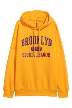 H&M Printed Hooded Sweatshirt - Yellow - Women Orange Long Sleeve Shirt, Hooded Long Sleeve Shirt, Long Sleeve Shirts, Orange Shirt, Cut Sweatshirts, Hooded Sweatshirts, Shirt Hoodies, Sweat Shirt, Trendy Hoodies