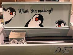 Cricut Projects Discover What Cha Making Penguins - SVG Cricut Explore Air, Cricut Explore Projects, Cricut Project Ideas, Cute Diy Projects, Crafty Projects, Circuit Crafts, Circuit Projects, Proyectos Cricut Explore, Cricut Air 2