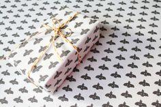 黒いトリラッピングペーパー5枚セット - ラッピングペーパーと紙ものレガーロパピロ