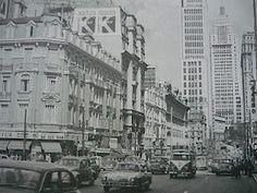 Famoso cruzamento da avenida Ipiranga com a São João cantada em versos por Caetano Veloso, em plena década de 60