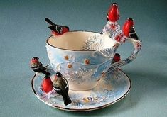Porcelain Love the birds as much i like the tea cup & saucer Vintage Tea, Vintage Cups, Kintsugi, Teapots And Cups, Teacups, China Tea Cups, My Cup Of Tea, Chocolate Pots, China Patterns