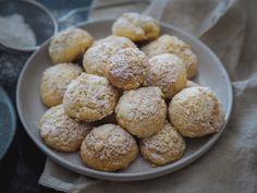 Olympus Digital Camera, Muffin, Breakfast, Food, Morning Coffee, Essen, Muffins, Meals, Cupcakes