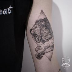 angry lion tattoo design on arm by @tattooer_intat