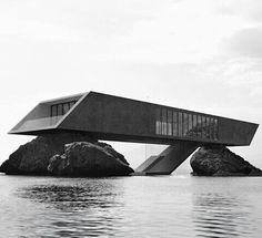 Architecture sea