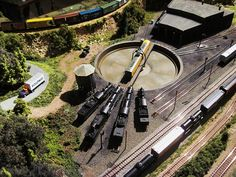 Custom N scale layout Hobb's Connection. N Scale Train Layout, N Scale Trains, Model Train Layouts, Garden Railroad, Hobby Trains, Ho Scale, Model Trains, Scale Models, Diorama