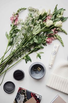Sunday Edit | Moochin' with Mahabis slippers, Bloom & Wild flowers, Laura Lee Jewellery signet ring, Disneyrollergirl new book, Missoma x Lucy Williams & London Tea Club - Stylonylon