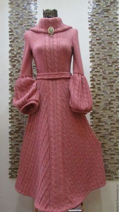 Dress with sleeves pink 27 Ideas Mode Crochet, Knit Crochet, Wool Dress, Knit Dress, Look Fashion, Autumn Fashion, Fashion Design, Victorian Coat, Handmade Dresses