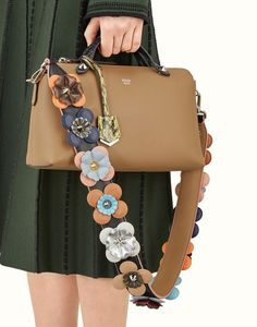 FENDI STRAP YOU - Shoulder strap in black leather with flowers - view 2 thumbnail
