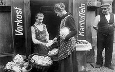 1920s Germany: buying vegetables with baskets of notes