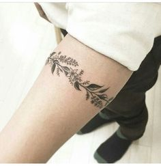 224 Most Attractive Flower Tattoos Of All Time awesome Check more at http://fabulousdesign.net/flower-tattoos/