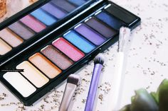 #83327 Day to Night Palette