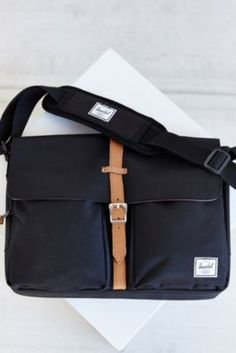 Herschel Supply Co. Columbia Messenger Bag