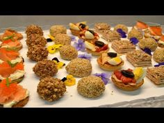 Canapes variados originales y muy faciles - YouTube Kitchen Xmas Ideas, Good Healthy Recipes, Healthy Snacks, Party Finger Foods, Mini Cupcakes, Buffet, Brunch, Food And Drink, Appetizers
