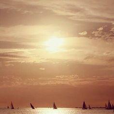 Sunset sailing, St Kilda Beach