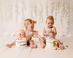 1st Birthday Photoshoot, 1st Birthday Parties, Twin Cake Smash, 1st Birthday Pictures, Twin First Birthday, Twins 1st Birthdays, Twin Girls, Theme Ideas, Party Ideas