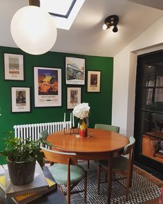 Dulux Paradise Green wall on Insta feed Dulux Green Paint, Green Paint Colors, Living Room Paint, Living Room Decor, Light Wood Dining Table, Bedroom Decoration Images, Green Kitchen Walls, Green Rooms, Living Room Inspiration