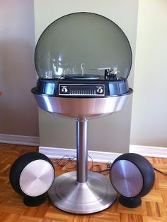 Electrohome Bubble Stereo with Record Player, circa Space Age Awesome! Vintage Records, Vintage Music, Retro Vintage, Radios, Vinyl Junkies, Oldschool, Record Players, Phonograph, Retro Home