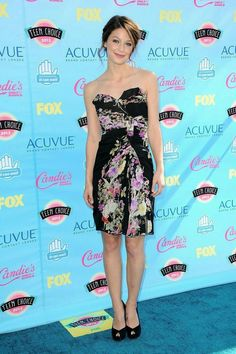 Fabulously Spotted: Melissa Benoist Wearing Badgley Mischka - 2013 Teen Choice A. Supergirl Series, Melissa Supergirl, Supergirl Dc, Melisa Benoist, Melissa Marie Benoist, Teen Choice Awards 2017, Katie Mcgrath, Female Fighter, Amanda Bynes