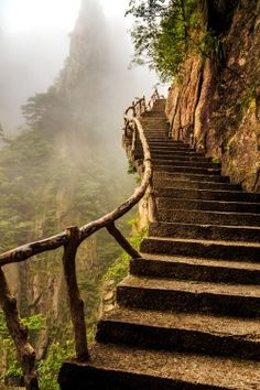 Challenge yourself with this Stairway to Heaven jigsaw puzzle for free. 287 others took a break from the world and solved it. Stairway To Heaven, Foto Nature, All Nature, Abandoned Places, Pathways, Stairways, Belle Photo, The Places Youll Go, Beautiful Landscapes