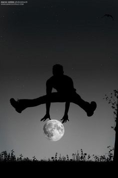 Fabulous photograph of a man silhouette jumping over the moon. Digital photo manipulation by Marco Ciofalo Digispace. Perspective Photography, Moon Photography, Creative Photography, Amazing Photography, Illusion Photography, Cool Pictures, Cool Photos, Beautiful Pictures, Images Cools