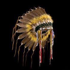 Plains style feather headdress/war bonnet 2128.12.01 (side view 1) ☩ «4Colors»™