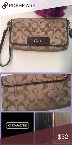 """Coach Clutch/Wristlet Another great item from Mellificent!! This cutie is perfect for anytime of day. Traditional C logo and hardly used. Clean inside out , no stains rips or tears. Measurements 5"""" height 9"""" length Coach Bags Clutches & Wristlets"""