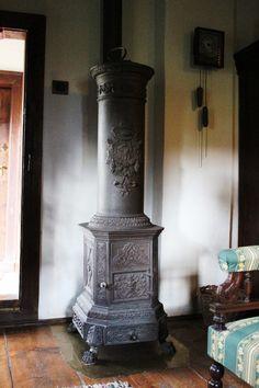 33 Case, Romania, Home Appliances, Wood, Places, Home Decor, House Appliances, Decoration Home, Woodwind Instrument