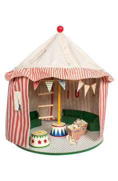 A handmade circus tent made to suit Maileg's charming mouse toys comes complete with eight circus-mice characters and plenty of props so they can put on a great show.