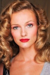 Some facts about strawberry blonde hair color