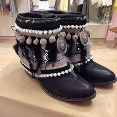 dekora botas