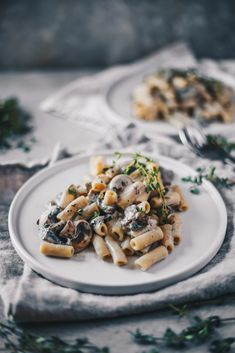 Easy Vegan Mushroom Pasta with Fresh Thyme (Gluten Free) - NattWrobel