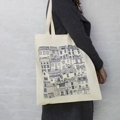 Coastal Cottages tote bag disegnata da Jessica di jessicahogarth