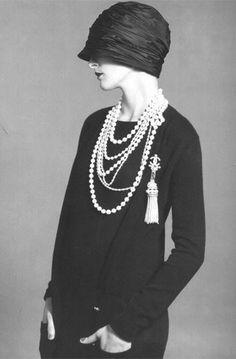 [코코 샤넬의 샤넬 저지 플래퍼 드레스] Jersey Flapper Dress by Coco Chanel - 코코샤